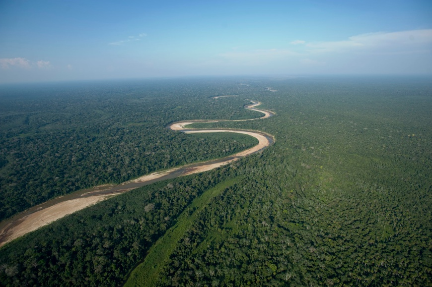An aerial view of the Isiboro Secure indigenous territory and national park, known by its Spanish acronym TIPNIS, in Beni September 16, 2011. Bolivian President Evo Morales is facing strong resistance from within his indigenous support base over government plans to build a 185-mile wide (300 km) highway through the Amazon forest. The $420 million road, to be built by Brazilian company OAS and largely financed by Brasilia, will link the Amazon plains of Beni to Chapare, a sparsely populated region where Morales began his political career as leader of the coca farmers.  REUTERS/Daniel Caballero/Bolivian Presidency/Handout (BOLIVIA - Tags: POLITICS AGRICULTURE ENVIRONMENT) FOR EDITORIAL USE ONLY. NOT FOR SALE FOR MARKETING OR ADVERTISING CAMPAIGNS. THIS IMAGE HAS BEEN SUPPLIED BY A THIRD PARTY. IT IS DISTRIBUTED, EXACTLY AS RECEIVED BY REUTERS, AS A SERVICE TO CLIENTS - RTR2RF8R